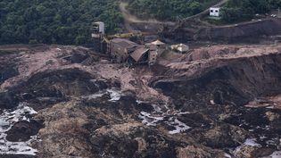 Vue aérienne de la zone où a rompu le barrage, àBrumadinho(sud-est du Brésil), le 25 janvier 2019. (DOUGLAS MAGNO / AFP)