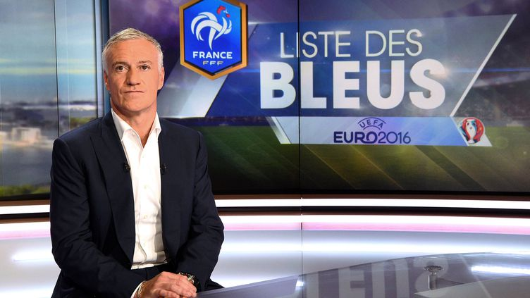 Didier Deschamps sur le plateau de TF1, le 12 mai 2016, à Boulogne-Billancourt (Hauts-de-Seine). (FRANCK FIFE / AFP)