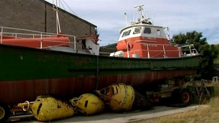Un canot tout temps à visiter sur le chantier naval de Calais  (France3/Culturebox)
