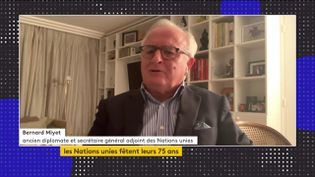 Bernard Miyet, ancien diplomate et secrétaire général adjoint des Nations unies, était l'invité du journal de 23 Heures de franceinfo, samedi 24 octobre. Il a évoqué le 75e anniversaire de l'ONU et le futur de l'instance. (FRANCEINFO)