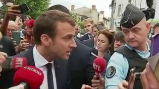Emmanuel Macron lors d'un déplacement à Bellac, en Haute-Vienne, le 9 juin 2017. (FRANCE 2)