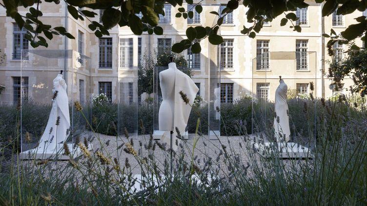 """Exposition """"Cristobal Balenciaga, le couturier sculpteur"""" chez Kering au 40 rue de Sèvres dans le cadre des Journées du patrimoine, le 19 septembre 2019 (BALENCIAGA/ERIC SANDER)"""