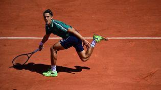 Pierre-Hugues Herbertlors du 1er tour de Roland-Garros, le 31 mai 2021. (MARTIN BUREAU / AFP)