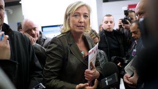 La présidente du Front national, Marine Le Pen, le 2 février 2012 au Salon des entrepreneurs, à Paris. (MARTIN BUREAU / AFP)