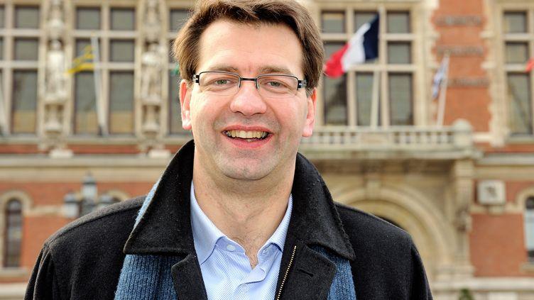 Patrice Vergriete, lors de la campagne municipale à Dunkerque (Nord), le 27 mars 2014. (PHILIPPE HUGUEN / AFP)
