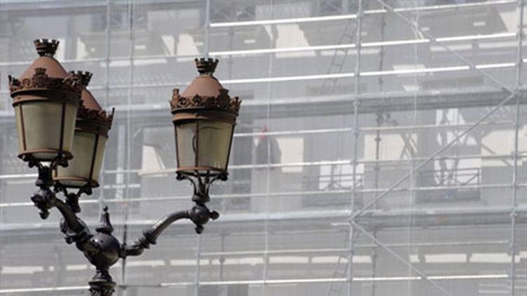 Façade d'un immeuble en cours de ravalement à Paris (AFP - Eric Piermont)