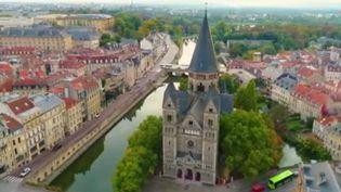 Les candidats aux élections municipales de Metz, en Moselle, ont tous prévu de planter des arbres, signe de l'importance que revêt l'environnement dans la campagne. (France 2)
