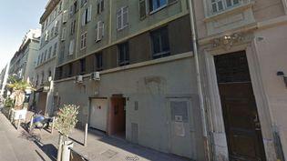 L'immeuble de la rue Sainte, à Marseille, perquisitionné le 3 octobre 2017, dans le cadre de l'enquête sur l'attaque au couteau de la gare Saint-Charles. (GOOGLE STREETVIEW)