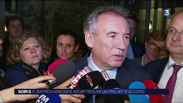 Investitures de La République en Marche : François Bayrou évoque un projet d'accord