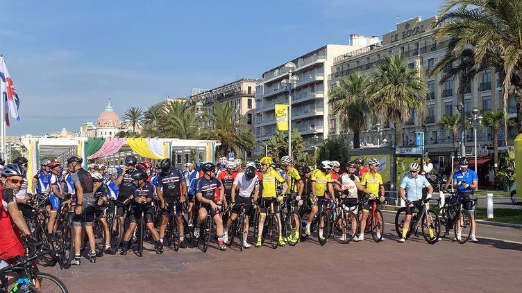 A Nice, le départ du Tour de France a été reporté, mais pas la fête de lancement. (FANNY LECHEVESTRIER / RADIO FRANCE)