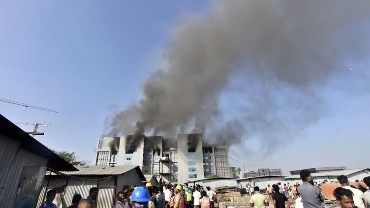 Un incendie a ravagé une des installations du Serum Institute of India, à Pune (Inde), le 21 janvier 2021. (AFP)