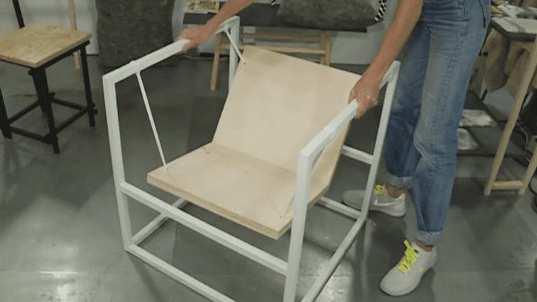 Le fauteuil-balancier d'Alice Lahana, jeune artisan designer qui expose dans le cadre de Now ! Le off.  (France 3 Culturebox)