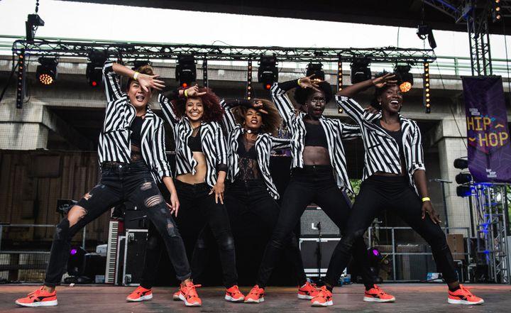Une troupe de danseuses hip hop à Rendez-Vous Hip Hop.  (Paul Green)