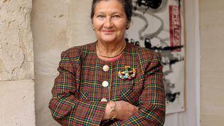 Simone Veil, à Chaussy(Val-d'Oise), le 9 octobre 2004. (CATHERINE GUGELMANN / AFP)