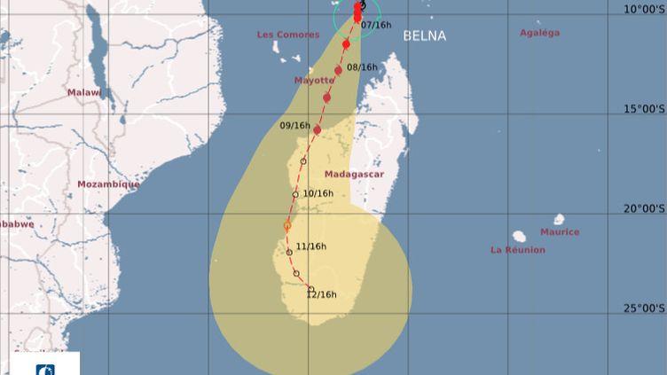 Les prévisions de l'évolution du parcours du cyclone Belna, publiées samedi 7 décembre 2019 par Météo France. (METEO FRANCE)
