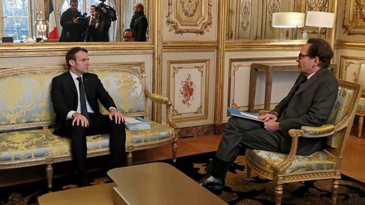 Emmanuel Macron reçoit le président du groupe parlementaire LREM à l'Assemblée, Gilles Le Gendre, le 4 février 2019 à l'Elysée (BENOIT TESSIER / POOL / REUTERS POOL)