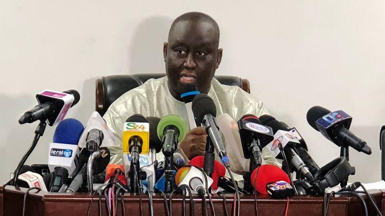 Aliou Sall, le frère du président sénégalais, riposte aux accusations lors d'une conférence de presse le 3 juin 2019 à Dakar. (CHRISTOPHE VAN DER PERRE / Reuters)