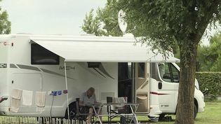 Tourisme : certains Français privilégient des vacances dans l'Hexagone. (FRANCEINFO)