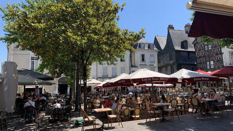 La place Plumereau à Tours (Indre-et-Loire), le 2 juin 2020 (photo d'illustration). (BORIS COMPAIN / RADIOFRANCE)