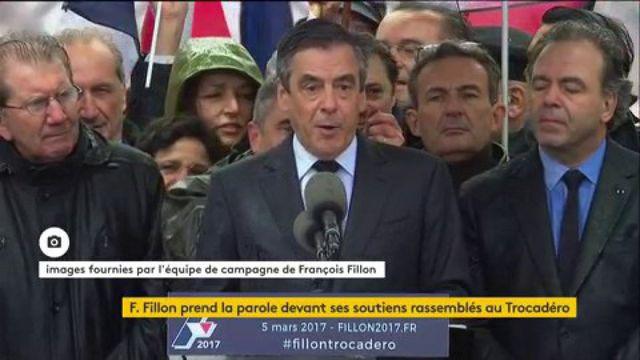"""Pour Fillon, Macron est le """"porte-serviette"""" de Hollande"""