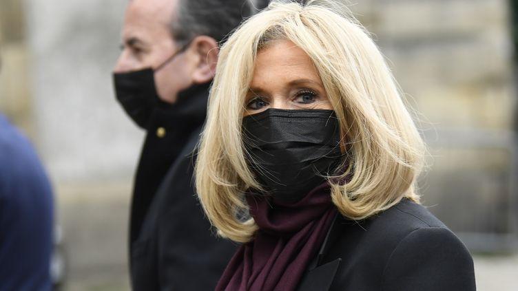 L'épouse du président de la République, Brigitte Macron, le 5 octobre 2020 aux funérailles de Juliette Gréco, àl'église deSaint-Germain-des-Près à Paris. (BERTRAND GUAY / AFP)