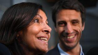 Anne Hidalgo et Tony Estanguet à leur arrivée à Lima, au Pérou, pour le vote final du CIO sur les Jeux de 2024. (PHILIPPE MILLEREAU / DPPI MEDIA)