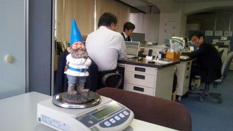Le nain de jardin Kern, pesé dans le monde entier, était à Tokyo (Japon) le 6 mars 2012. (KERN PRECISION SCALES)