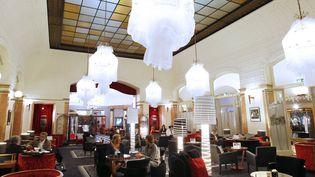 Intérieur de l'hôtel Le Lutetia à Paris  (PATRICK KOVARIK / AFP)