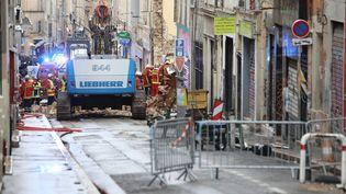 La rue d'Aubagne à Marseille, le 6 novembre 2018, où deux immeubles se sont écroulésla veille. (MAXPPP)