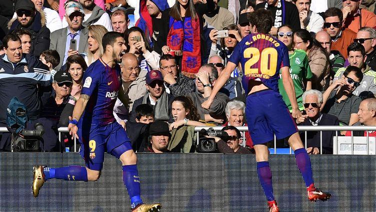 La joie de Luis Suarez pour le Barça après son but face au Real Madrid (JAVIER SORIANO / AFP)