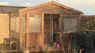 Un abri de jardin. (FRANCE 2)