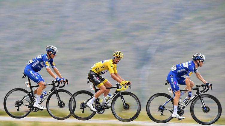 Le Français Julian Alaphilippe (au c.), lors de la dernière édition du Tour de France, le 26 juillet 2019.     (DAVID STOCKMAN / BELGA MAG)