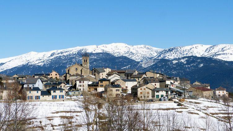 Le corps d'une femme a été aspiré par une déneigeuse dans la station des Angles (Pyrénées-Orientales), le 27 février 2015. (  MAXPPP)