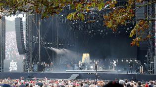 La chanteuse Jeanne Added lors du festival Rock en Seine, au parc de Saint-Clout, le 23 août 2019. (STRINGER / AFP)