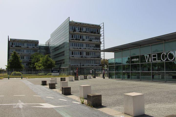 Le siège d'Airbus à Blagnac (Haute-Garonne), le 9 juillet 2020. (MATHILDE GOUPIL / FRANCEINFO)