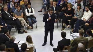 Le président de la République, Emmanuel Macron, le 3 octobre 2019 à Rodez (Aveyron). (ERIC CABANIS / AFP)