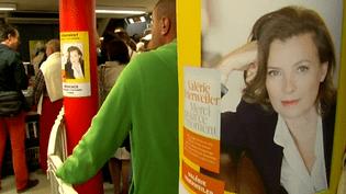 Jour d'affluence à la librairie Richer à Angers où Valérie Trierweiler proposait sa première séance de dédicace  (France 3 Culturebox)