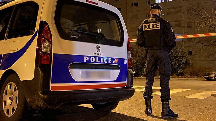 Le quartier de Planoise, à Besançon, a été bouclé, mercredi 25 décembre 2019. (MARC BERTRAND / RADIO FRANCE)