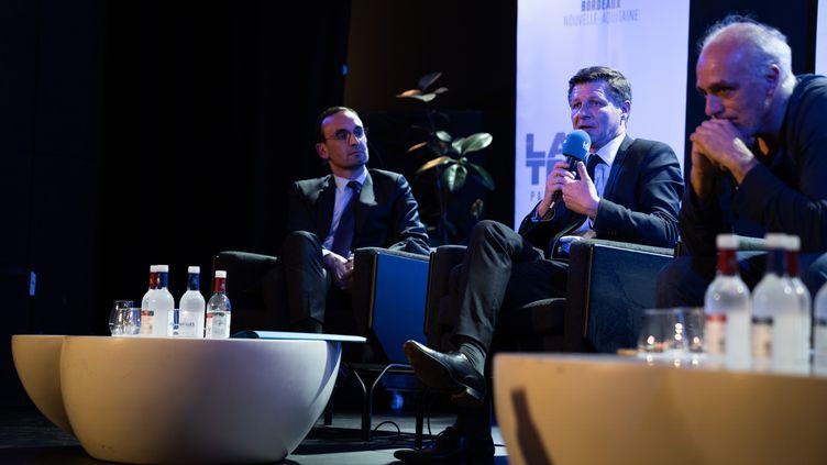 """Thomas Cazenaze, Nicolas Florian et Philippe Poutou lors d'un débat organisé par """"La Tribune"""" pour les municipales à Bordeaux (Gironde), le 4 mars 2020. (CONSTANT FORME-BECHERAT / HANS LUCAS / AFP)"""