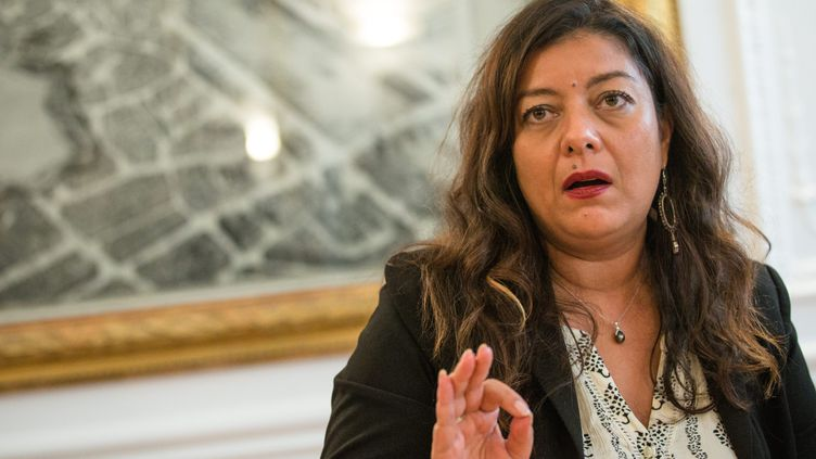 Sandra Muller lors d'une conférence de presse après sa condamnation pour diffamation, le 25 septembre 2019 à Paris. (AURELIEN MORISSARD / MAXPPP)