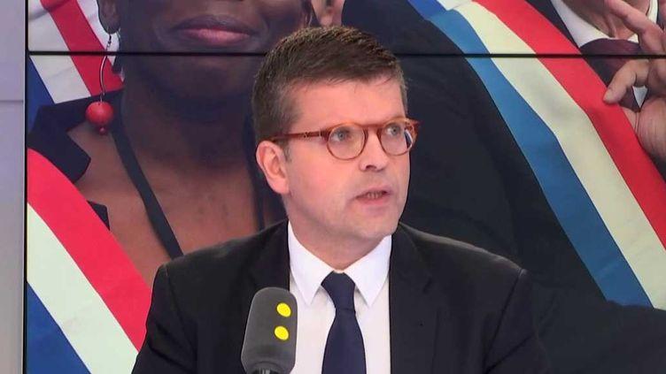 Luc Carvounas, député PS du Val-de-Marne, était l'invité de franceinfo. (RADIO FRANCE / FRANCEINFO)