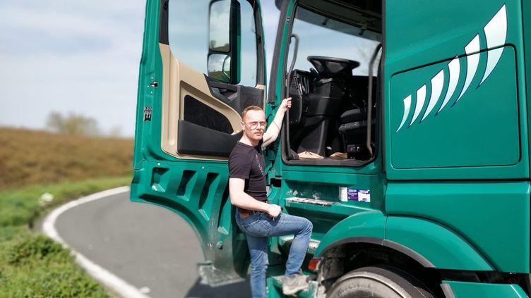Paul, routier originaire de St Malo, sur la route le 21 mars 2020 (ERIC AUDRA / FRANCEINFO / RADIO FRANCE)