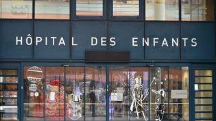 L'entrée de l'hôpital des enfants de Purpan, à Toulouse (Haute-Garonne), le 6 janvier 2018. (REMY GABALDA / AFP)