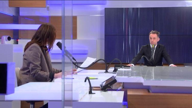 Emmanuel Grégoire, premier adjoint à la Maire de Paris et directeur de campagne d'Anne Hidalgo est l'invité de franceinfo le 29 février 2020. (FRANCEINFO / RADIO FRANCE)