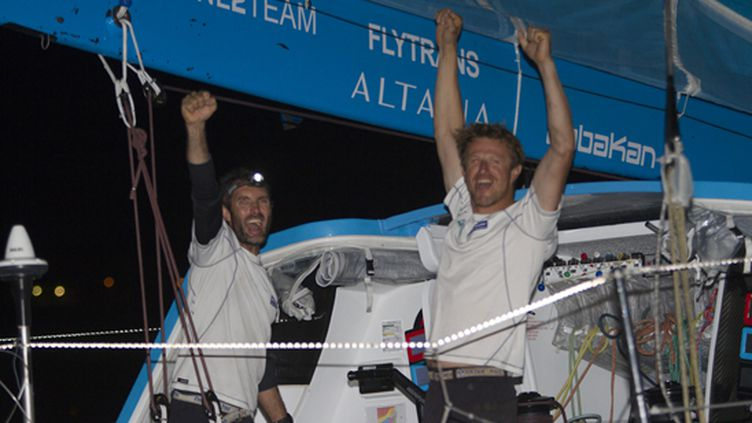 Beyou et Dick (Virbac Paprec 3) fêtent leur victoire sur la Transat Jacques Vabre 2011 (ALEXIS COURCOUX)