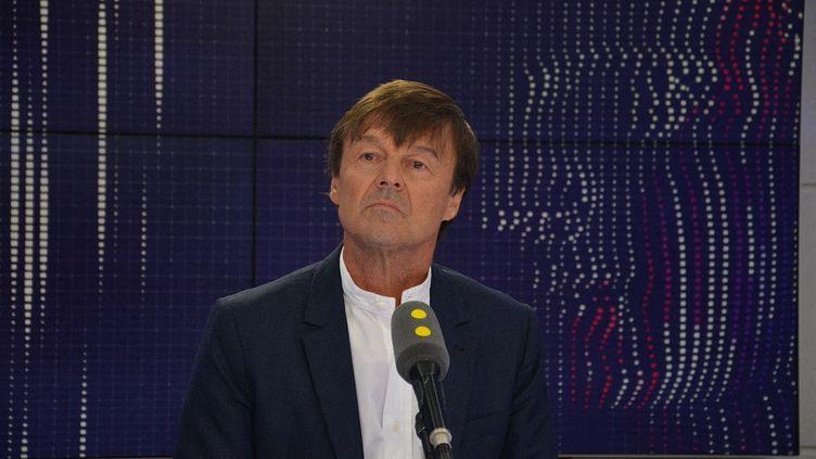 Nicolas Hulot, alors ministre de la Transition écologique, à franceinfo le 30 août 2017 (JEAN-CHRISTOPHE BOURDILLAT / FRANCE-INFO)