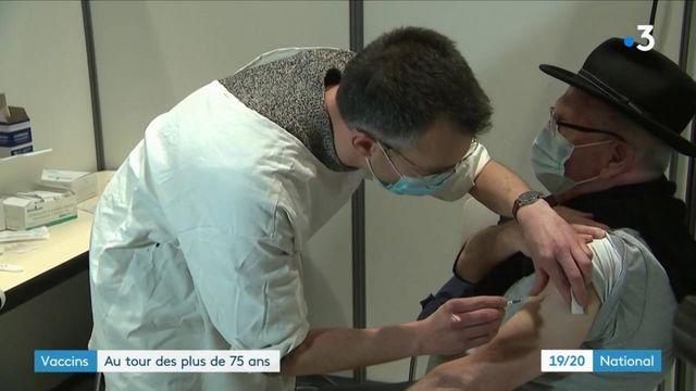 Vaccin contre le Covid-19 : la campagne débute pour les plus de 75 ans
