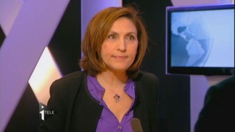 Nora Berra sur le plateau d'i-Télé, le 23 décembre 2011. (I-TÉLÉ)