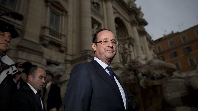 François Hollande, le candidat socialiste à la présidentielle, à Rome (Italie), le 16 décembre 2011. (FRED DUFOUR / AFP)