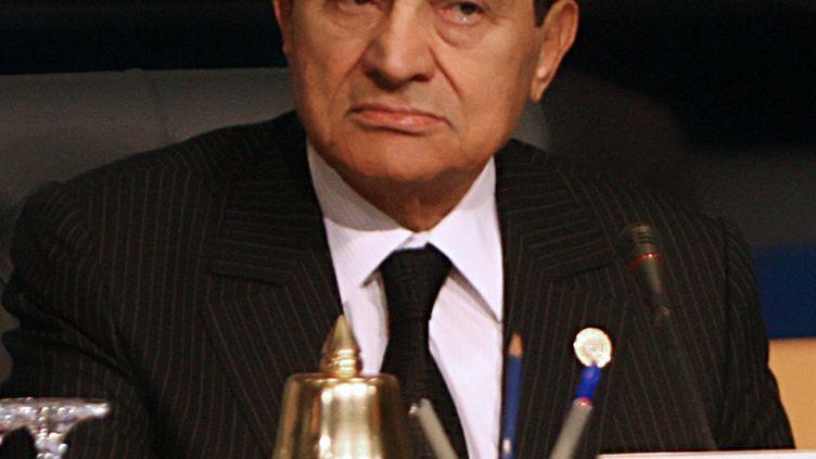 Hosni Moubarak lors d'un sommet économique à Charm El-Sheikh (Egypte), le 19 janvier 2011. (AMR AHMAD / AFP)